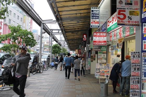新宿駅西口・東口31