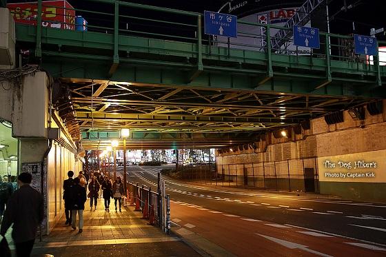 新宿駅西口・東口23