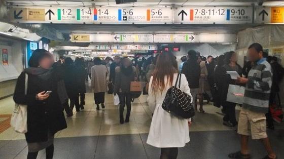 新宿駅西口・東口32