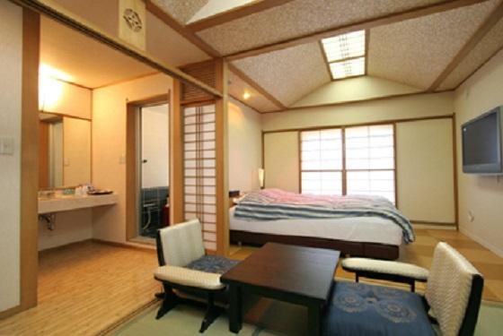 高級旅館のようなきれいな和室のお部屋